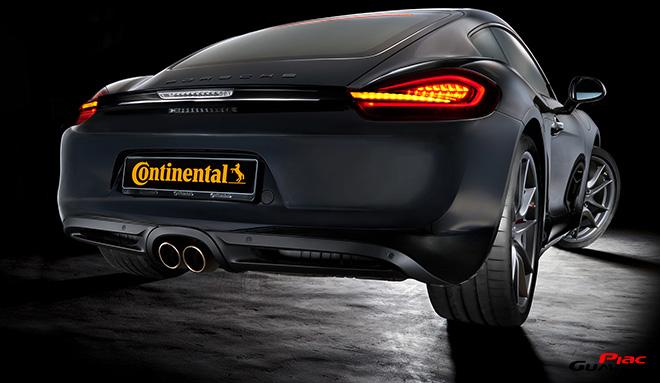 Der neue Super-Sportreifen SportContact 6 ueberzeugt durch Hoechstleistung bei Handling, Grip und Sicherheit. Der Reifen steht in 41 verschiedenen Dimensionen von 19 bis 23 Zoll zur Verfuegung und ist fuer Geschwindigkeiten bis zu 350 km/h zugelassen.
