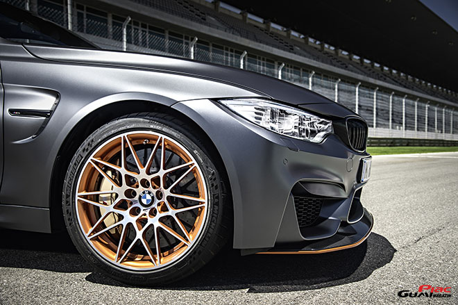 Michelin gumi BMW M4 GTS 660