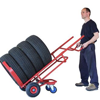 Majd a kerekek műhelybe juttatásában nagy segítség ez ez olasz kerékszállító mellyel akár 4 kereket vagy 8 abroncsot is lehet mozgatni egyszerre .