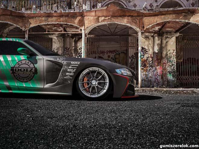 Egy olasz szellemvárosban rendesen meghajtották a DOTZ Supra-motoros BMW Z4-esét. Itt a hivatalos DD2.JZ videó!
