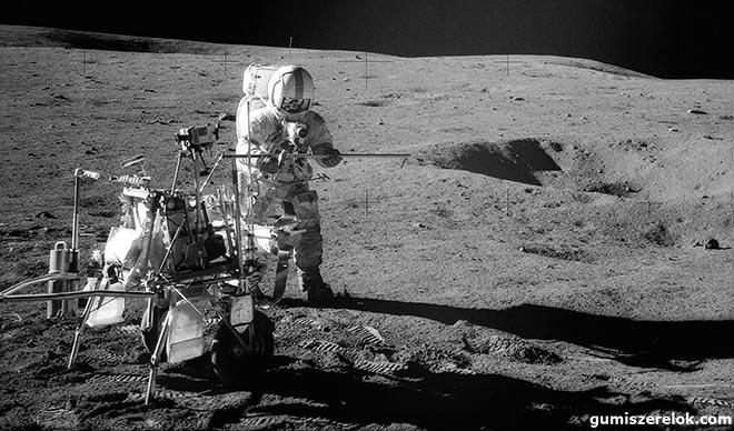 Egy pár gumiabroncs a Goodyear-nek, hatalmas ugrás a mobilitás jövőjének: majdnem 50 évvel ezelőtt a Goodyear levegő nélküli XLT abroncsai voltak az elsők, melyek guminyomot hagytak a Hold felszínén.