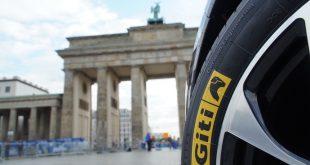 Hétvégén rendezték Berlinben a világ hat legnagyobb maratonja (Wolrd Abbot Marathon majors) között számon tartott 46. BMW BERLIN MARATHON-t, melynek a Giti Tire volt a főszponzora. A legendás maratoni futás, melynek története mindig is lenyűgözte az embereket, idén is a Brandenburgi Kapun keresztül halad át a célvonalon.