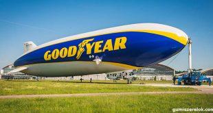 A Zeppelin NT (Goodyear Léghajó) utasokat szállít, és légifelvételekkel számol be a kontinens kiemelkedő autósport versenyeiről