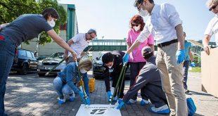 A jelölések az úttesten való biztonságos átkelés mellett a koronavírus járvány miatti megfelelő távolságtartásra is figyelmeztetnek. A piktogramok felfestésében részt vett Szücsné Posztovics Ilona, Tatabánya Polgármestere és Topolcsik Melinda, az abroncsgyár ügyvezető igazgatója is.