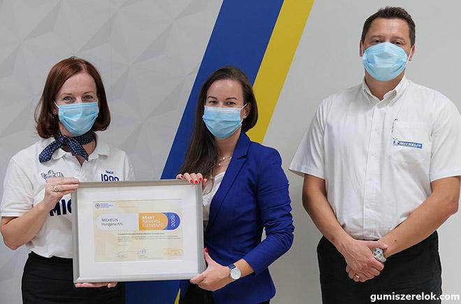 A Michelin Hungária elkötelezett támogatója a helyi közösségeknek, ezért 260 gumiabroncsot adományozott az Országos Mentőszolgálat számára.